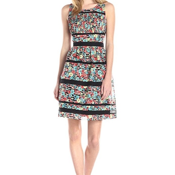 Jessica Simpson Dresses & Skirts - Jessica Simpson Floral Dress
